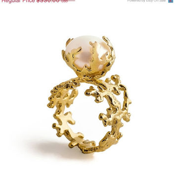 Holiday Sale - CORAL PEARL Gold Ring, 18K Gold Plated Pearl Ring, Statement Ring, Large Pearl Ring