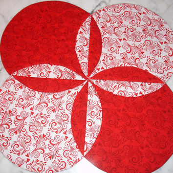 Victorian Hearts Table Runner Quilt Table Topper Centerpiece in Red and White