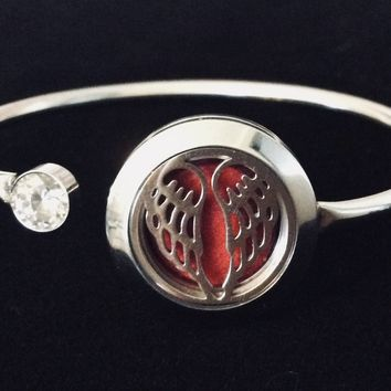 Aromatherapy Jewelry Angel Wings Essential Oil locket Diffuser Bracelet Stainless Steel Locket Flexible