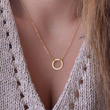 Characteristic fashion Circle Necklace For Women