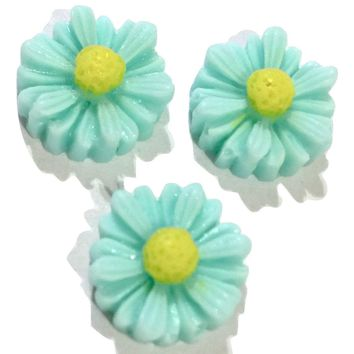 Light blue daisy flower resin cabochon 10mm / 1-5 pieces