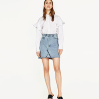 DENIM SKIRT WITH PEARL DETAILS DETAILS