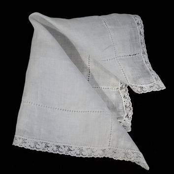 Vintage White Hanky, Solid White Hanky with Drawn Thread Detail, and Lace Trim,Lace Hanky,Bridal Hanky,Something Old,Simple White Lace Hanky