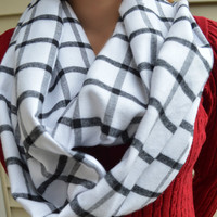 Plaid Scarf - White black Plaid - Chunky scarf - Classic scarf