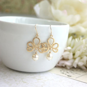 Matte Gold Plated Filigree, Ivory Pearls, Chandelier Dangle Earrings. Venetian Italian Inspired. Bridesmaid Gift.  Ivory and Gold Wedding.
