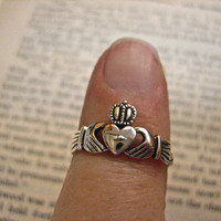 Vintage 925 Sterling Silver  Claddagh Ring