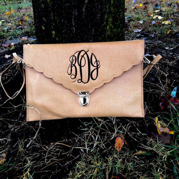 Monogram Faux Leather Scalloped Clutch Purse/ Bag/ Scalloped Cross Body ~ bridesmaid gift ~ Preppy Purse ~ New Season Favorite