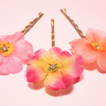 Flower hair pins. Flower bobby pins. Fabric flower hair pins. Floral hair accessories. Wedding hair flowers Wedding flowers Floral hair pins