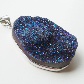 Metallic Blue Sparkly Drussy Druzzy Drusy Stone Pendant,  Druzzy Framed in Silver Agate Pendant (1) Piece