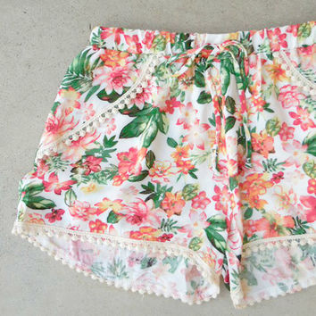 Seaside Shorts in Floral [6999] - $27.00 : Feminine, Bohemian, & Vintage Inspired Clothing at Affordable Prices, deloom