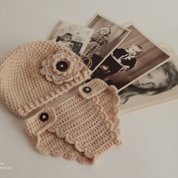 Adorable crochet panties and hat.Vintage style