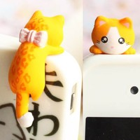 Adorable 6 Color Hanging Bowknot Figure Black White Pink Yellow Grey Cat Kitty Kitten Dust Plug 3.5mm Phone Accessory Cell Phone Plug iPhone Dust Plug Samsung Plug Phone Charm Headphone Jack Earphone Cap Ear Cap Dust Plug (Yellow Cat)