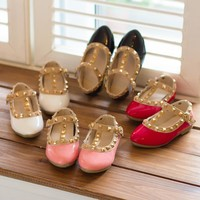 2017 New Children Shoes Girls Sandals Soft Soled Fashion Kids Girls Leather Shoes Studded Girls Flats Shoes Gladiator Sandals
