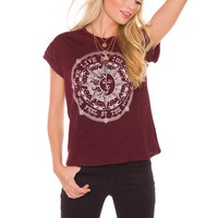 We Live by the Sun Top - Burgundy