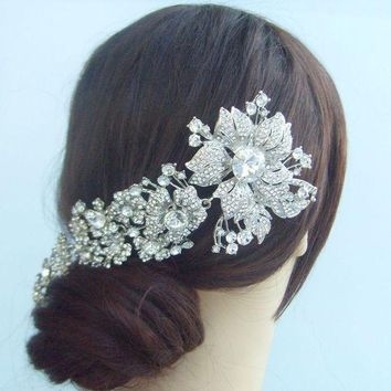 ONETOW Bridal Hair accessories Wedding Hair Comb 7.28 Inch Silver-tone Rhinestone Crystal Flower Hair Comb Wedding Headpiece FSE04704C1
