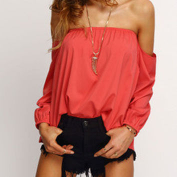 ‰ªÁ I'd rather have flowers in my hait - then diamonds around my neck ‰ªÁ Trendy Summer Fashion Red Off The Shoulder Long SLeeve Blouse