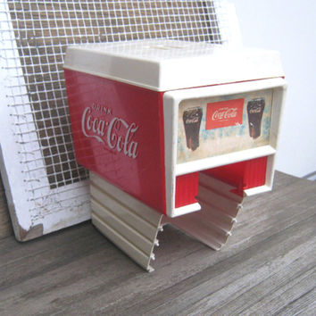 Vintage Coca Cola Soda Fountain, Fast Food or Movie Theater Dispenser Top - Retro Coke Red/White Diner Decor - Vintage Fast Food/Soda Shop