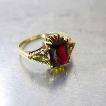 Antique Victorian Garnet Ring. ECCO Electric Chain Co. 10K Yellow Gold Garnet Engagement Ring. Victorian Garnet Jewelry. January Birthstone