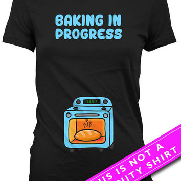 Pregnancy Announcement T Shirt Baby Announcement Gifts For Expecting Mothers Baking In Progress Maternity Outfits Ladies Tee MAT-626