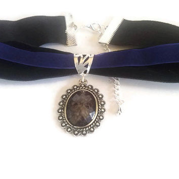 Black and blue velvet onyx pendant choker Gothic style necklace
