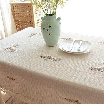 Vintage French Country Pronvince Ivory Ribbon Embroidery Crochet Lace table cloth Topper