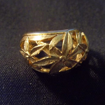 Vintage Yellow Gold Tone Ring, Size 7, Gold Jewelry, Openwork, Filigree,  Leaf Design, Yellow Gold Ring, Statement ring, Estate Piece
