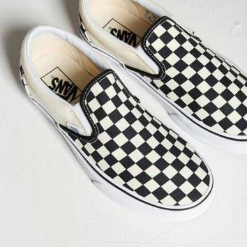 DCCKXI2 Vans Checkered Slip-On Sneaker | Urban Outfitters