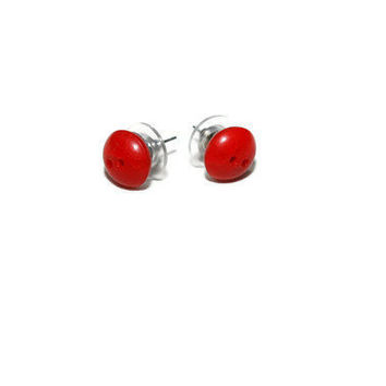 Cute as a Button Vintage Red Round Earrings by chumaka on Etsy
