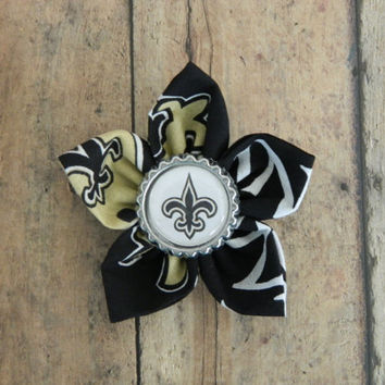 NFL Themed Flower Alligator Clip with Bottle Cap Center-New Orleans Saints