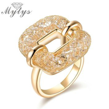 Mytys Square Ring Crystal Wire Mesh Net Hollow Ring for Women Fashion Trendy Jewelry Accessory