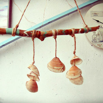 Seashells Wind Chime  -  Driftwood Mobile - Beachy Home Decor - Bohemian Wall Hanging - Boho Garden Decor - www.iCatchUrDream.com