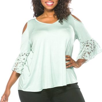 Green Cold Shoulder Plus Size Boho Top w/Lace Bell Sleeves