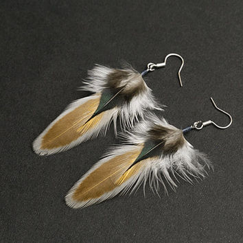 Honey feather earrings Native american earrings Real feather earrings Boho earrings Earthy colors Hippie earrings Indian earrings Small Tiny