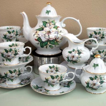 15 Piece Magnolia Porcelain Tea Set
