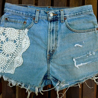 Vtg size 30 High Waist Crochet Fabric Hippie BOHO LEVIs 90s Denim Ripped Frayed Shorts