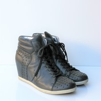 Koolaburra Kenny Black Leather Studded Wedge Sneaker Boot 10