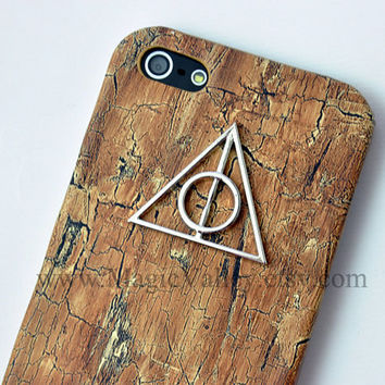 Harry Potter Deathly Hallows Symbol Iphone 4 Case by MagicValley
