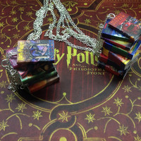 Harry Potter jewellery - Harry Potter 7 book UK cover charms necklace)