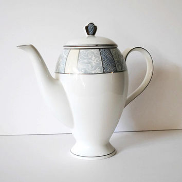 Mikasa Bellevue Pattern Bone China Coffee Pot Tea Pot White Gray Blue - (#100.52)