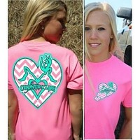 Country Life Outfitters Pink Chevron Deer Kiss Heart Love Hunt Vintage Bright T Shirt