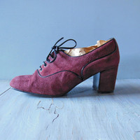 clafouti oxford heel | 1970s burgundy suede heeled oxford with black leather laces | marsala oxford pump | size 6.5 to 7