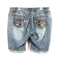 8 circuits of consciousness distressed Denim short