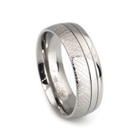 Men's Hand crafted design titanium Wedding Band