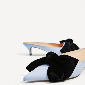HEELED MULES WITH BOW DETAILS