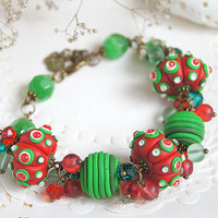 Christmas red and green bracelet - Christmas Gift jewelry - Polymer clay miracle drop bracelet - New Year gift