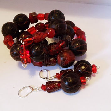 Red Horn & Glass Beaded Cuff Bracelet Set ///////Beadwork Set//Hand Blown Glass Set//Earring Set//Handmade Jewelry//Women//Fashion//Gift