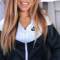 Nike Women Favorite Hooded Black/White Sweatshirt Jacket Coat Windbreaker Sportswear H