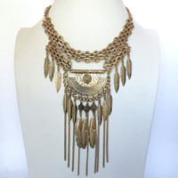 Renowned Feather Statement Necklace Set In Gold