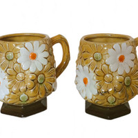 Vintage Daisy Mugs Fred Roberts Ceramic Flower Mugs set of Two Coffee Tea Mugs 70s