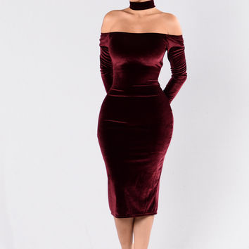 The Other Side Dress - Burgundy
